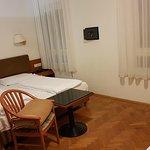 Buon hotel, pulito e molto centrale vicino alla stazione Fs e vicino alla Piazza Walter per i Me