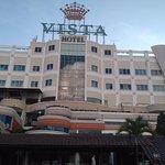 Crown Vista Hotel Photo