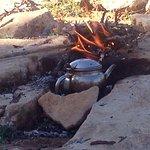 Le The avec Ahmed pendant la promenade dans les collines d'arganiers