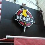 صورة فوتوغرافية لـ Heroes Burgers & Wings