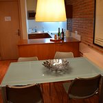 Photo de Serennia Apartments Arc de Triomf