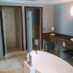 Luxury Master Suite - Bathroom