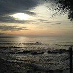 levé de soleil en front de mer au fond du parc