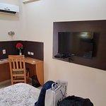 TV de pantalla plana con canales de cable
