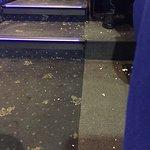 Pavimento ricoperto di pop corn