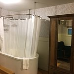 Big ensuite bath/shower