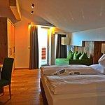 Photo de Hotel Royal