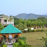 Anand Corbett Aamod Resort & Spa