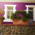 صورة فوتوغرافية لـ Purple House Bed & Breakfast