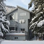 Heli-ski packages with accommodation.