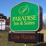 Paradise Inn & Suites Foto