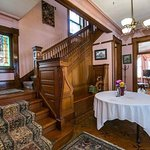 Mandolin Inn Bed and Breakfast Image