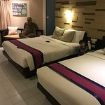 Stay in Anyavee Ban Ao Nang hotel during vacation to Krabi. Need to insert guest quantity accord
