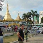 Photo de Central Hotel Yangon