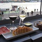 Foto de Wine Quay Bar