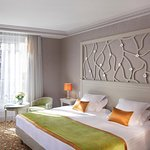 Rochester Champs-Elysees Hotel