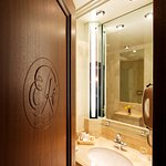 Salle de Bain Classique / Classic Bathroom