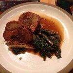 Un plat principal de viande