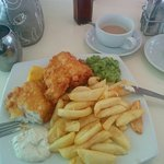 Cod & chips with mushy peas and tartare sauce