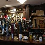 Φωτογραφία: The West Bar and Restaurant