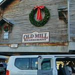 Foto di The Old Mill Pottery House Cafe and Grille