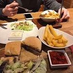 Foto de Tavern Cafe Bar
