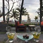 Foto Legian Beach Hotel