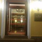 Puerta de acceso a las estancias principales