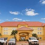 Photo of La Quinta Inn & Suites Seguin