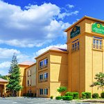 Photo of La Quinta Inn & Suites Bakersfield North