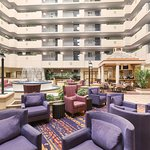 Photo de Embassy Suites by Hilton Orlando Airport