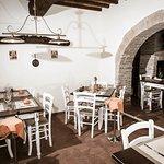 Foto de Torre Valbiancara - Taverna Gourmet