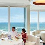Sky Bar mit Blick auf dioe Ostsee aus der 19. Etage