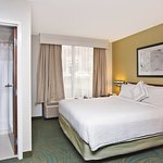 Photo de SpringHill Suites Chicago Elmhurst/Oakbrook Area
