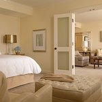 Four Seasons Executive Suite