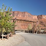 Red Cliffs Lodge Entrance