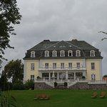 Haupthaus Seeseite mit Wintergarten