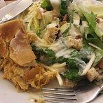 ceasar salad e empadão de frango