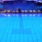 Piscina coperta con autentica acqua marina a 30°