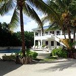 Foto de Cocotal Inn & Cabanas