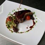 cochon de lait braisé sauce vin rouge et Kirsch