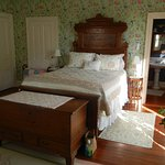 Penrose queen size bed