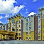 Photo of La Quinta Inn & Suites Elkview - Charleston NE