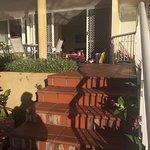 Apartment 11: Beach access, porch, kitchen & living room