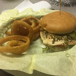 Chicken burgers with onion rings