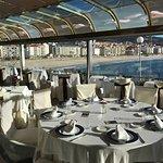 Terraza del restaurante con vistas a la playa de Silgar