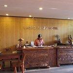 Photo de Laoag Renzo Hotel