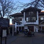 Das Griechische Restaurant El Greco existiert nicht mehr. Das Restaurant heißt jetzt La Dea und