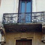 Balcone con ferro battuto