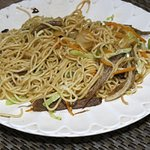 Yak meat and vegetable fried noodles. 炒面。